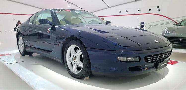 <strong><em>456 GT με κινητήρα V12, 5.5 lit 442 hp στις 6.250 rpm και τελική ταχύτητα >300 km/h.</em></strong>