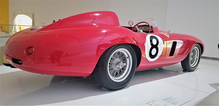 <strong>750 Monza του 1954 με 3-λιτο κινητήρα V4 με 260 hp στις 6.000 rpm.</strong>