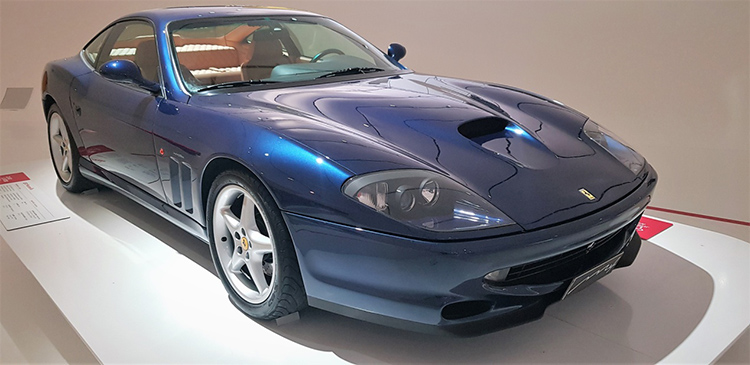 <strong><em>550 Maranello με κινητήρα V12, 5.5 lit 485 hp στις 7.000 rpm και τελική ταχύτητα 320 km/h</em></strong>