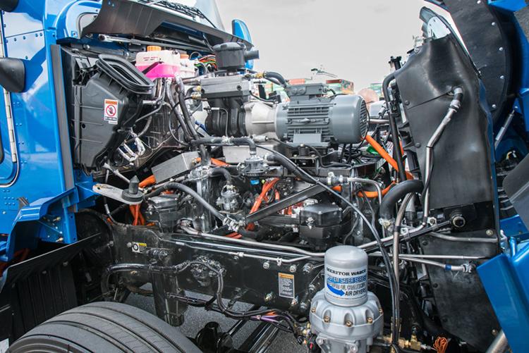 Χώρος κινητήρα από Φορτηγό Toyota Fuel Cell κυψελών καυσίμου Υδρογόνου μηδενικών εκπομπών Project Portal 2.0